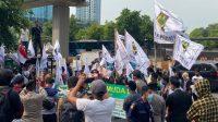 Demo Depan Kedubes Saudi Arabia Menuntut Kejelasan Kuota Haji Tahun 2021